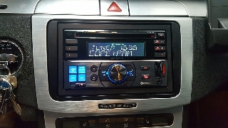 Radio cd Alpine CDE-W235BT.